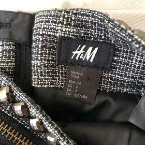 H&M Skirts - H&M STUDDED TWEED ZIPPER MINI SKIRT